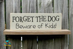 article-standard-image-690x460-hilarious-dog-signs2